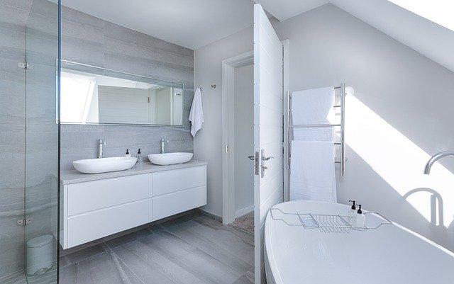 Minimalistiskt badrum